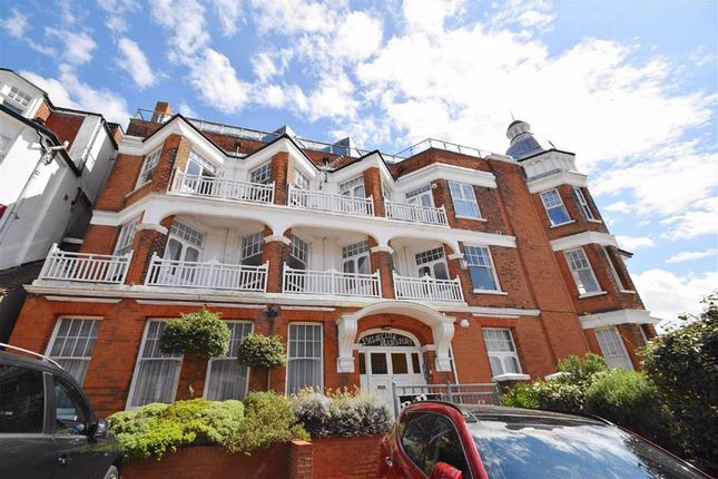 1 bed flat to rent in Palmeira Avenue, Westcliff-On-Sea, Essex SS0