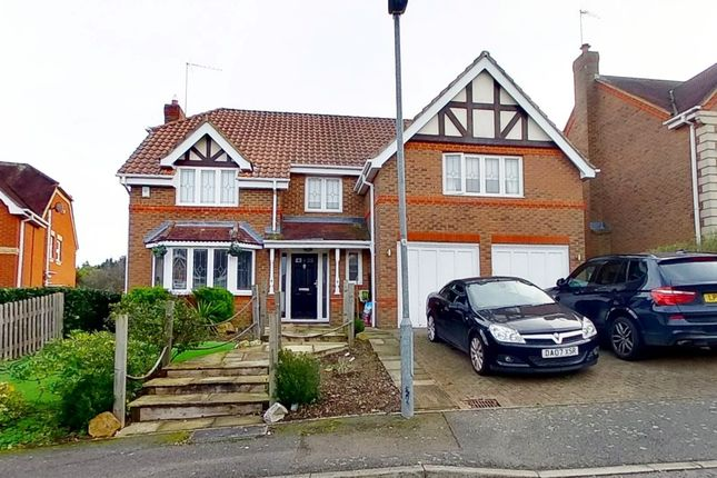 Thumbnail Detached house for sale in Great Groves, Goffs Oak