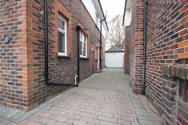 Private Driveway of George V Avenue, West Worthing, West Sussex BN11