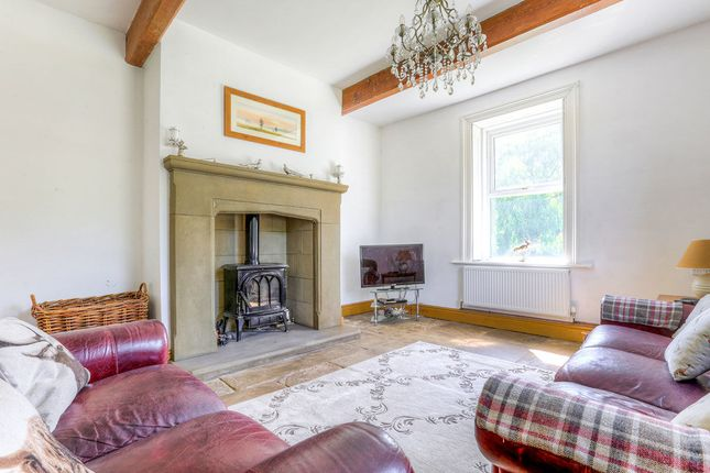 Thumbnail Detached house for sale in Melandra Road, Glossop