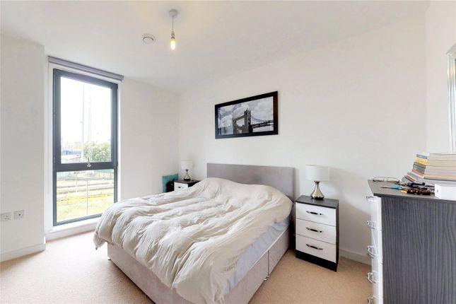 Picture No. 27 of Delancey Apartments, 12 Williamsburg Plaza, London E14
