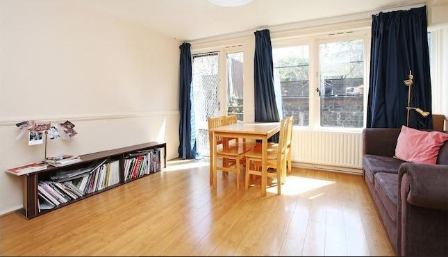 Thumbnail Terraced house to rent in White City Close, London