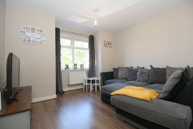 1 bed flat for sale in Laurel Gardens, Ashford TW15