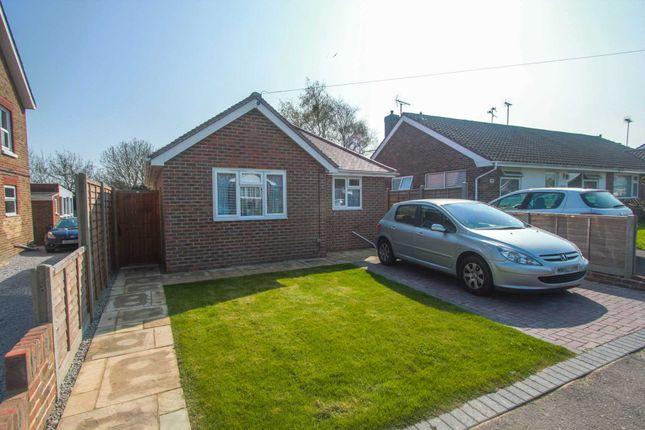 Thumbnail Detached bungalow to rent in New Road, Worthing