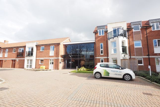 Thumbnail Flat for sale in Beckside Gardens, Guisborough