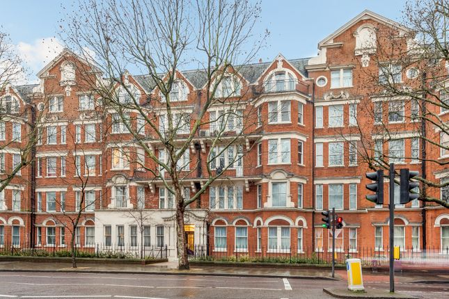 Thumbnail Flat to rent in Park Road, Marylebone