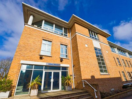 Office to let in Clarendon Road, Redhill, Surrey