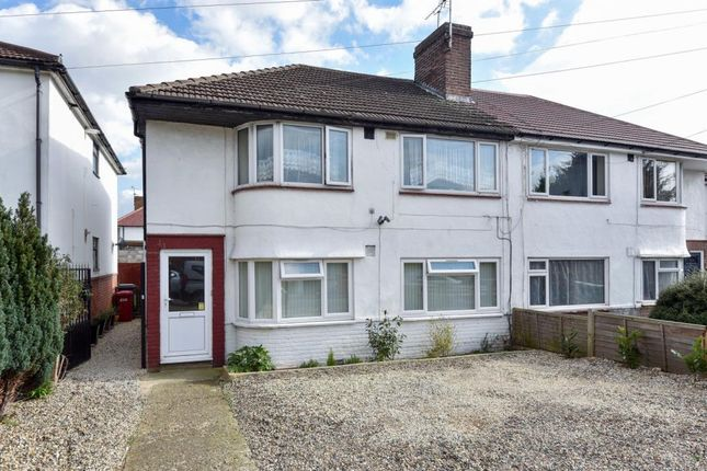 2 bed flat for sale in Slough, Berkshire SL2,