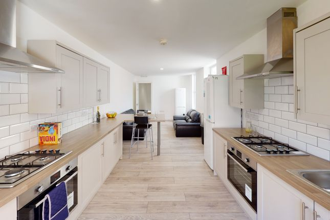 Thumbnail Shared accommodation to rent in Brougham Road, Southsea