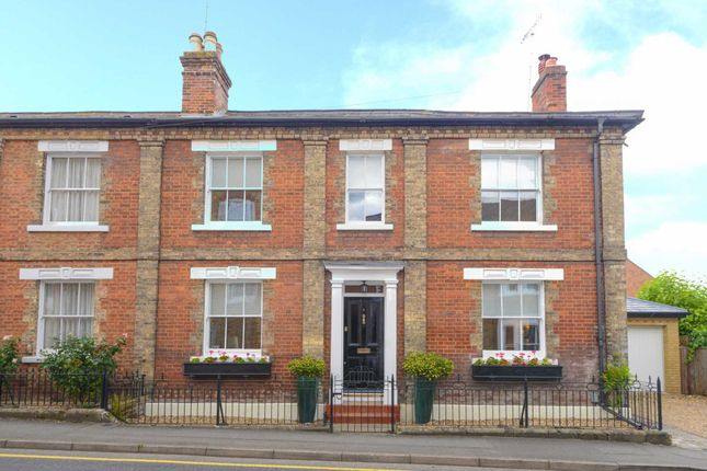 3 bed detached house to rent in Manor Street, Berkhamsted