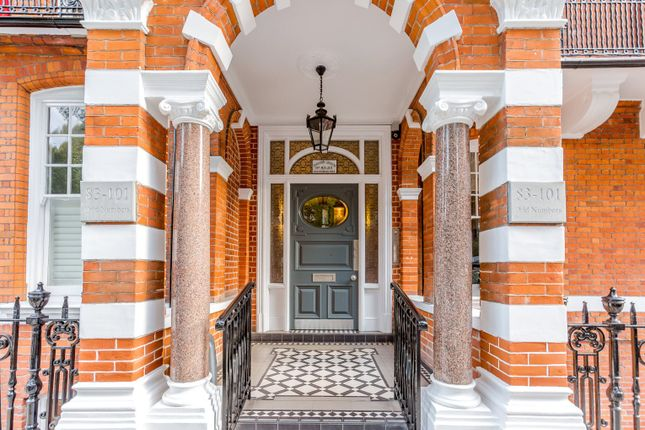 Thumbnail Flat for sale in Barkston Gardens, London
