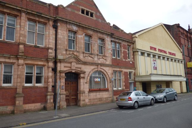 Office to let in Corporation Street, Hyde