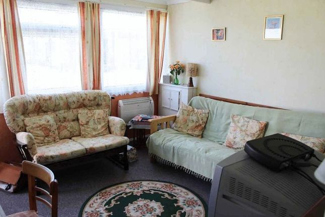 Lounge of California Road, California, Great Yarmouth NR29