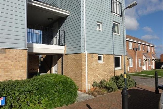 Thumbnail Flat to rent in Follager Road, Rugby