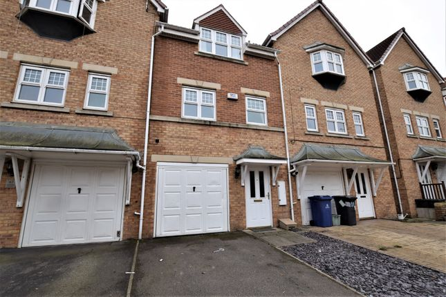 Thumbnail Town house to rent in Cavalier Court, Balby, Doncaster