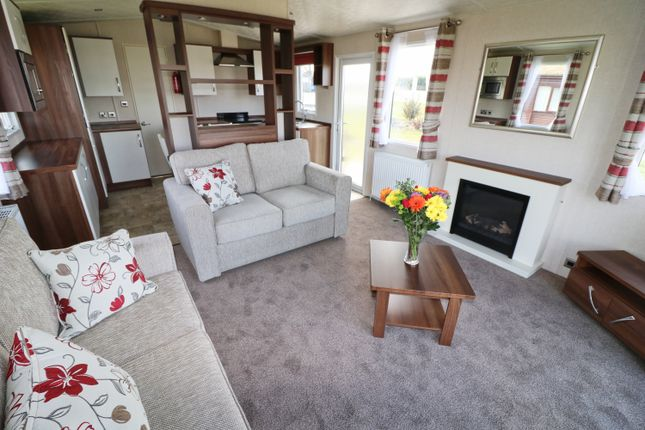 Thumbnail Lodge for sale in Atlantic Bays, St Merryn