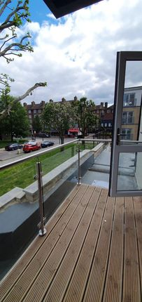 Lovely Spacious Modern New 3 Bedroom Apartment In Bow E3