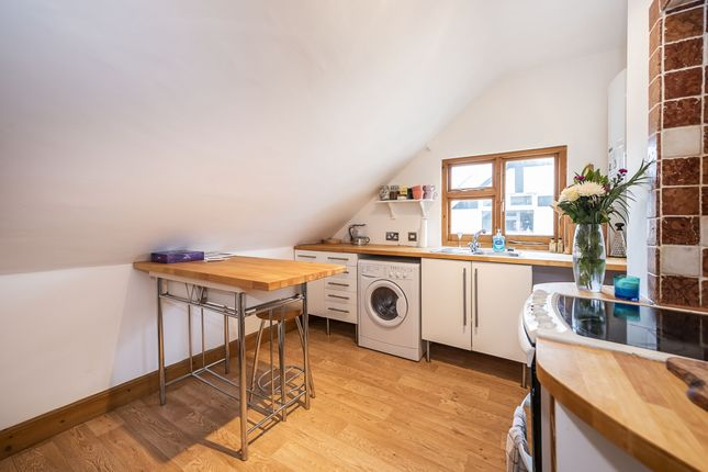 1 bed flat to rent in Effingham Road, Long Ditton KT6