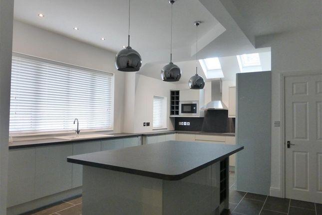 4 bed property to rent in Thorpe Road, Longthorpe, Peterborough PE3