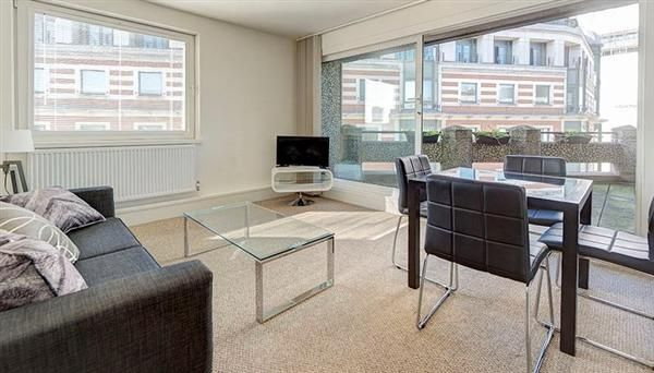 1 bed flat to rent in P, Luke House, London