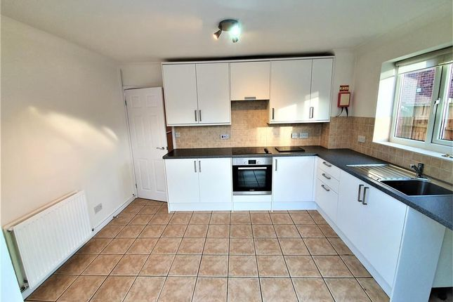 2 bed semi-detached house to rent in Kirkwood Close, Chester CH3