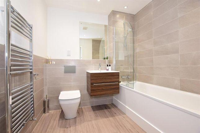 Bathroom of Ordnance Yard, Lower Upnor, Rochester, Kent ME2