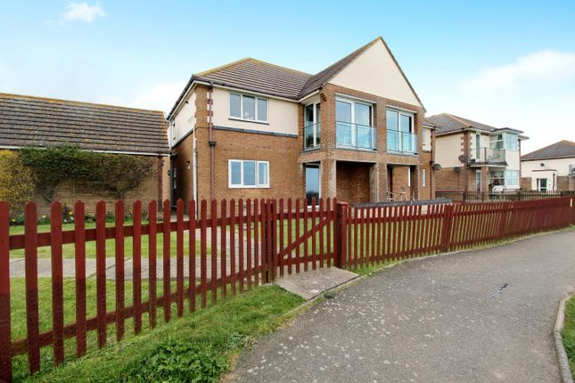 2 bed flat for sale in Southcliffe Court, Walton On The Naze CO14