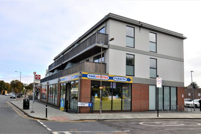 Thumbnail Flat to rent in Eastnor Road, New Eltham