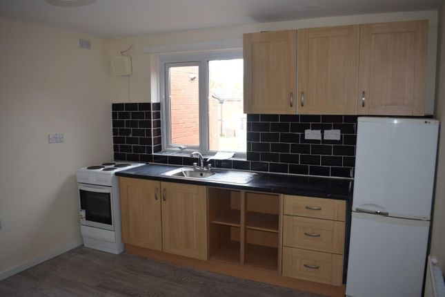 Thumbnail Flat to rent in Bembridge Close, Manchester