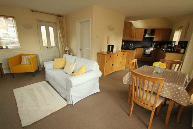Thumbnail Semi-detached bungalow to rent in Desford Road, Newbold Verdon, Leicester