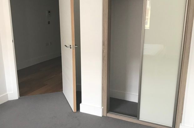 Thumbnail Flat to rent in Redcliff Backs, Bristol