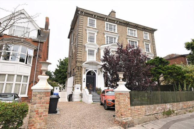 Thumbnail Flat to rent in North Parade, Lowestoft
