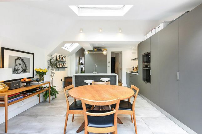 Kitchen of Magnolia Road, Chiswick W4