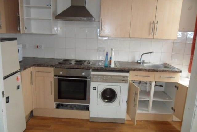 Kitchen of Stirling Street, Dundee DD3