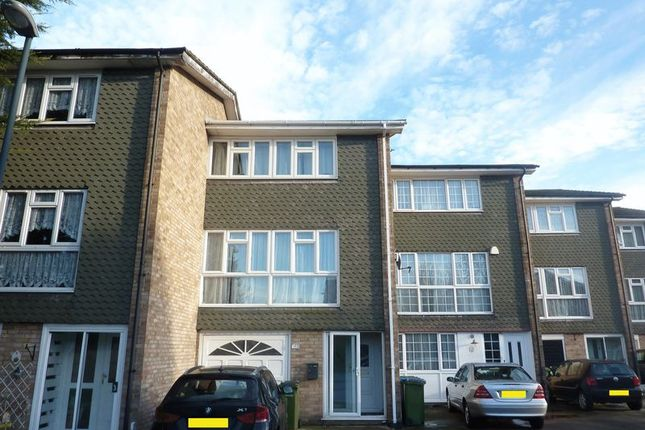Thumbnail Property for sale in Ellis Close, London