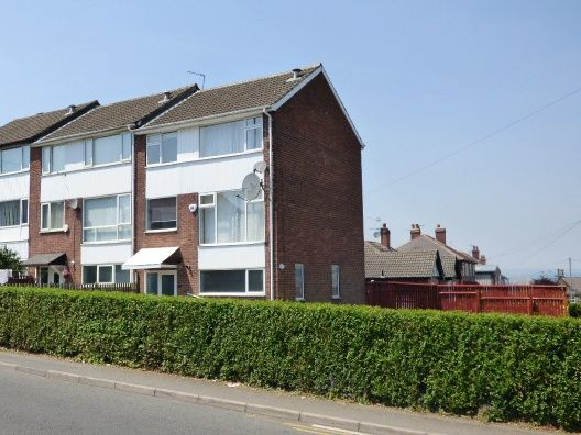 Thumbnail Semi-detached house to rent in Broad Lane, Bramley Rodley Border
