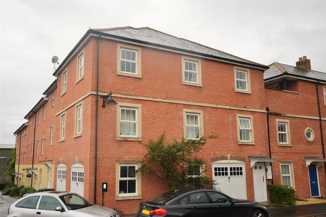 Thumbnail Flat to rent in Drovers, Sturminster Newton