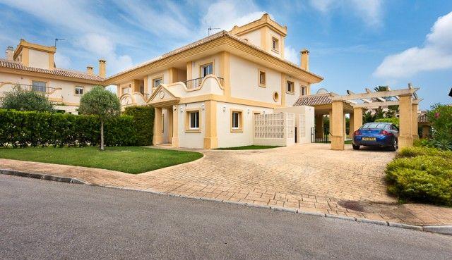 4 bed villa for sale in Spain, Cádiz, San Roque
