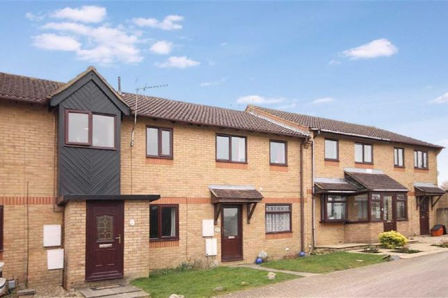 3 bed terraced house to rent in Bancroft Close, Swindon, Wiltshire