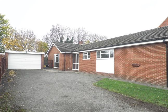 Thumbnail Bungalow to rent in Stratford Drive, Wootton, Northampton