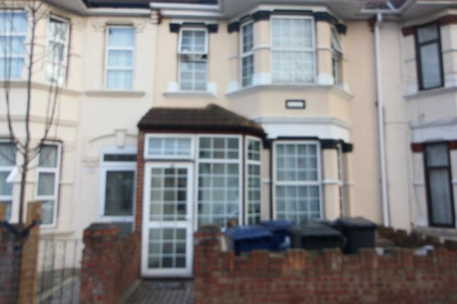 Thumbnail Terraced house to rent in Saxon Road, Southall