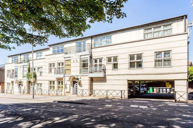 Thumbnail Flat to rent in Kingston Hill, Kingston Upon Thames