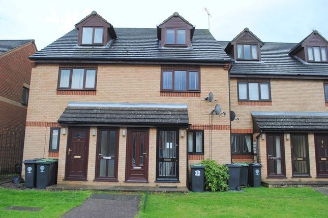 Thumbnail Flat for sale in Harborough Way, Rushden