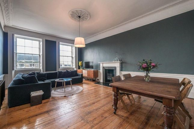 3 bed flat to rent in Dundonald Street, New Town