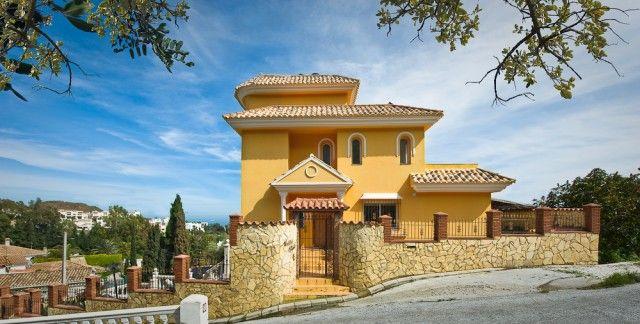 View Of Property of Spain, Málaga, Benalmádena, Benalmádena Pueblo