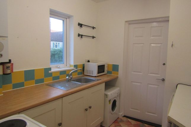 Thumbnail Flat to rent in Albert Road, Southsea, Hampshire