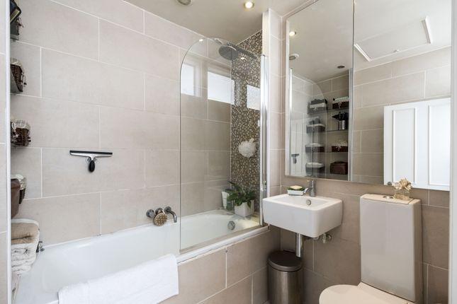 Bathroom of Kensington Gardens Square, London W2