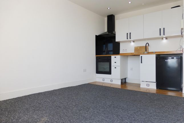 Thumbnail Flat to rent in Esplanade Road, Paignton