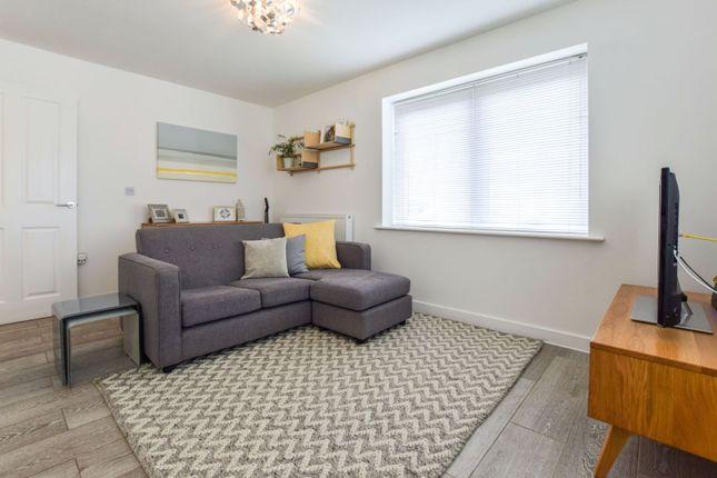 Lounge / Kitchen of Provis Wharf, Aylesbury HP20