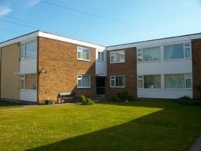 Thumbnail Flat to rent in Charlton Court, Seatonville